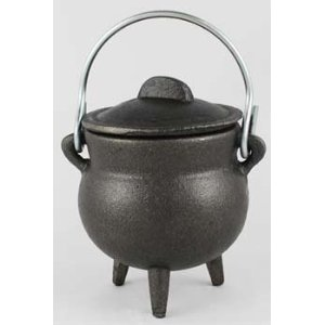 Smalle Kast Wit.Cast Iron Cauldron With Lid Small